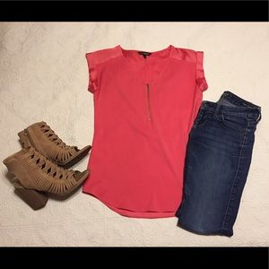 Coral short sleeve top with zipper detail